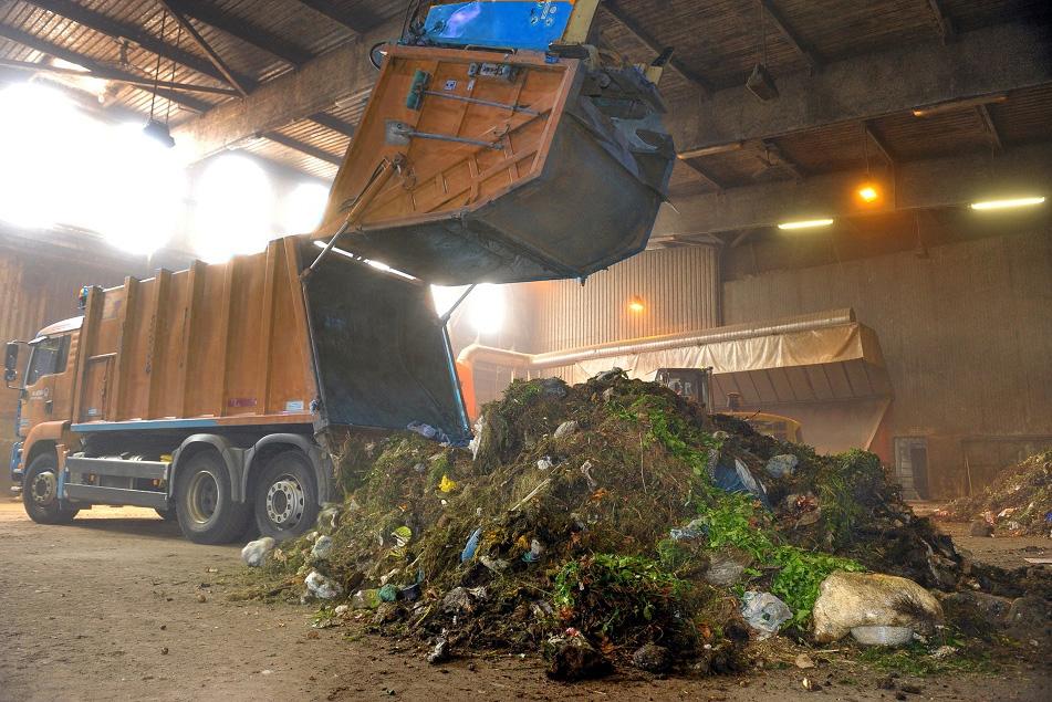 Un altro impianto privato di trattamento di rifiuti - Rifiuti umido ...